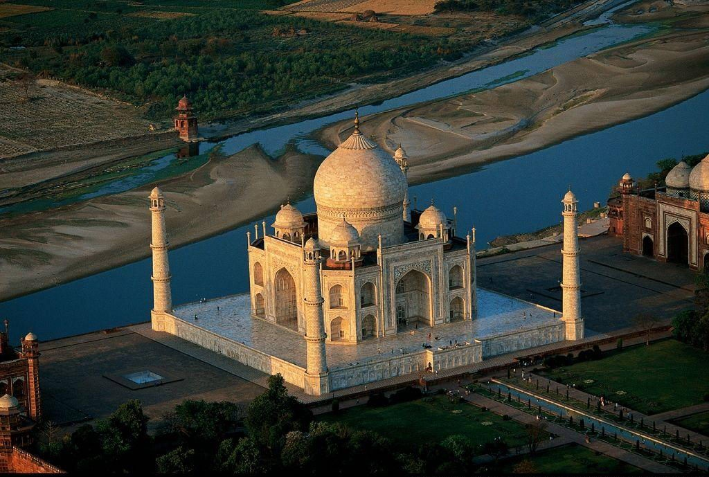 Taj Mahal Tour Agra Packages, Delhi To Agra Tour By Car Rental Service, Delhi To Agra Car/Taxi Service.